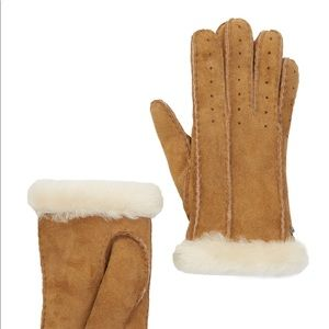 UGG Classic Perforated Dyed Shearling Gloves